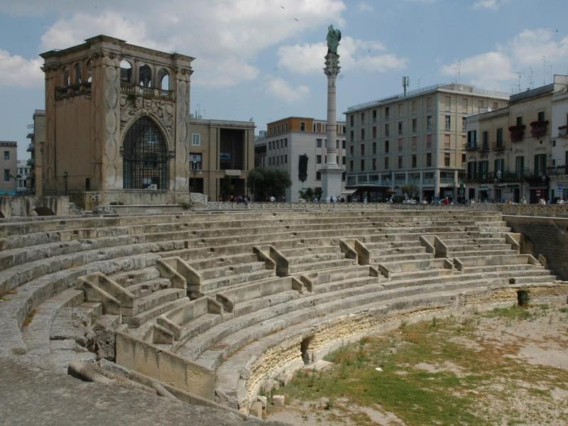 Destination wedding planner in Puglia